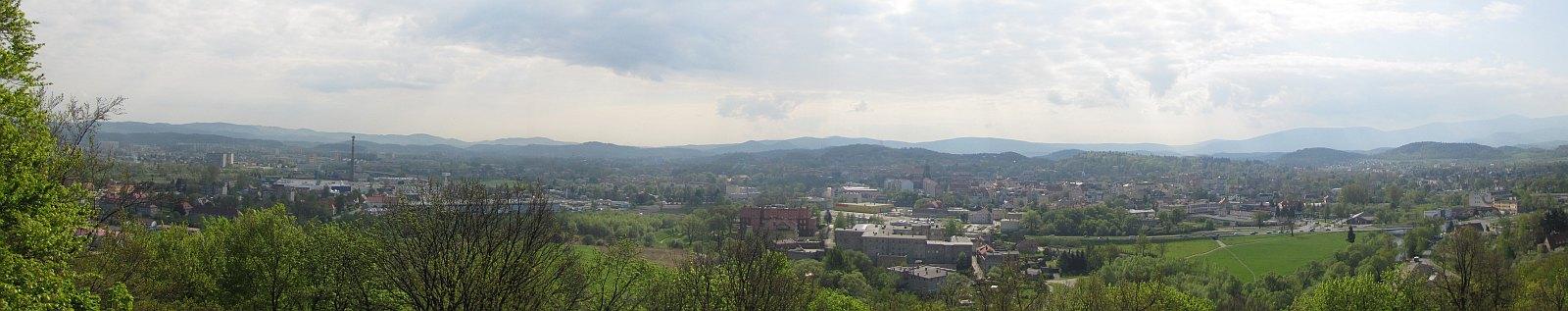 Panorama w stronę Jeleniej Góry (kliknij by powiększyć).