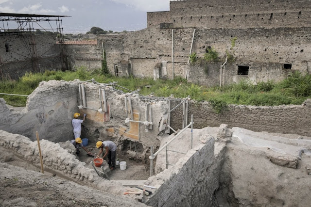New findings in Pompeii paint vivid picture of ancient Roman life