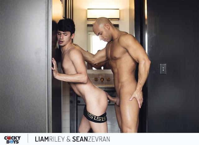 Cockyboys - POST CARDS FROM LA: Sean Zevran & Liam Riley!