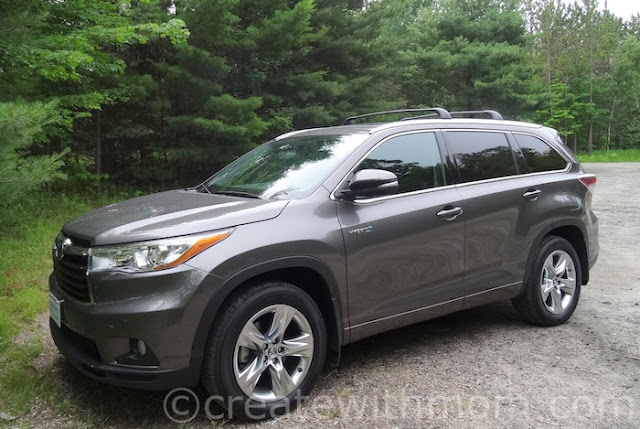 Create With Mom: 2016 Toyota Highlander Hybrid