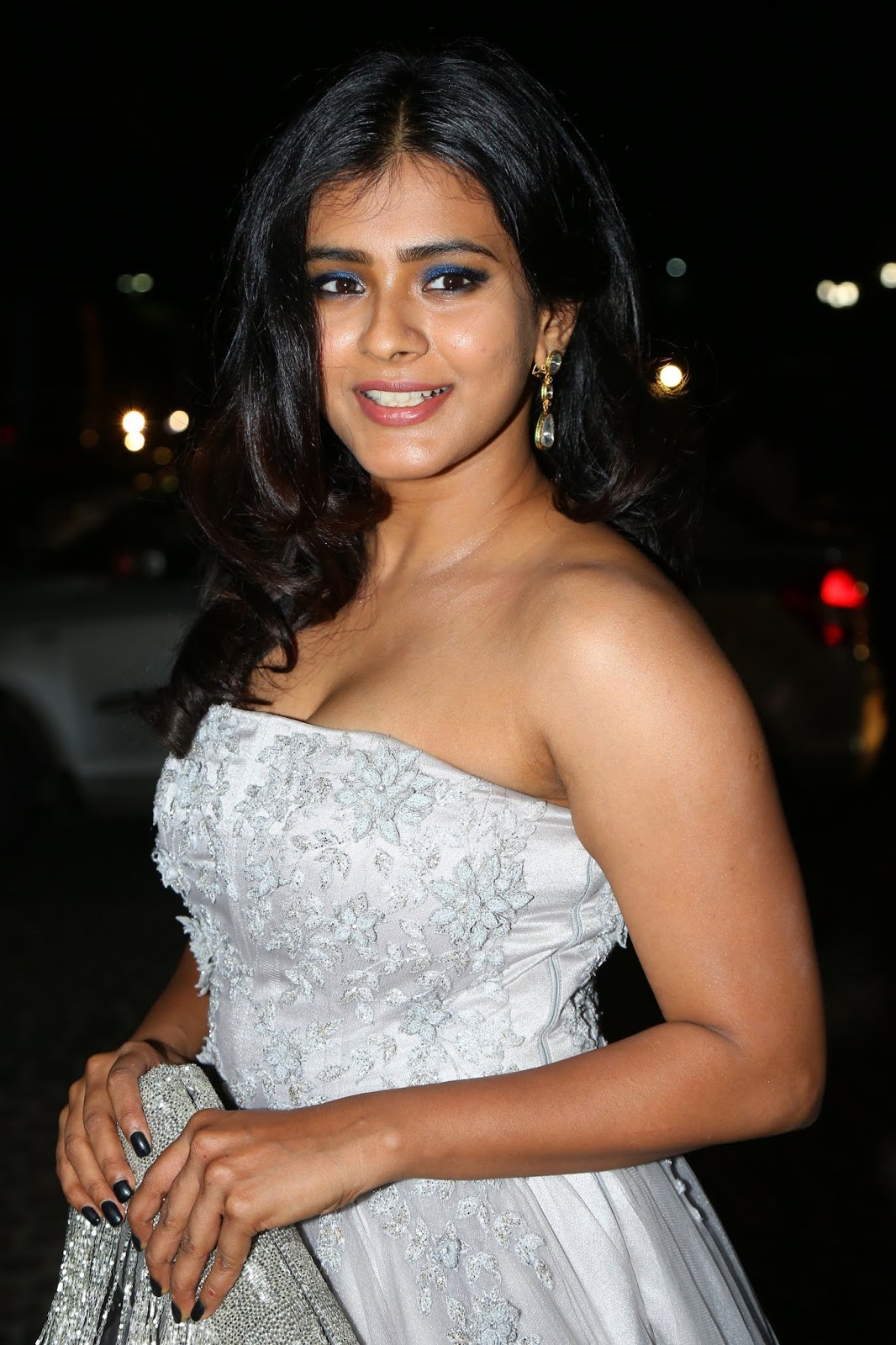 Hebah Patel Very Hot Body Show At 65th Filmfare Awards South
