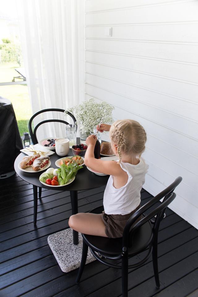 Brunssi, terassi elämää, aamupala, Villa H