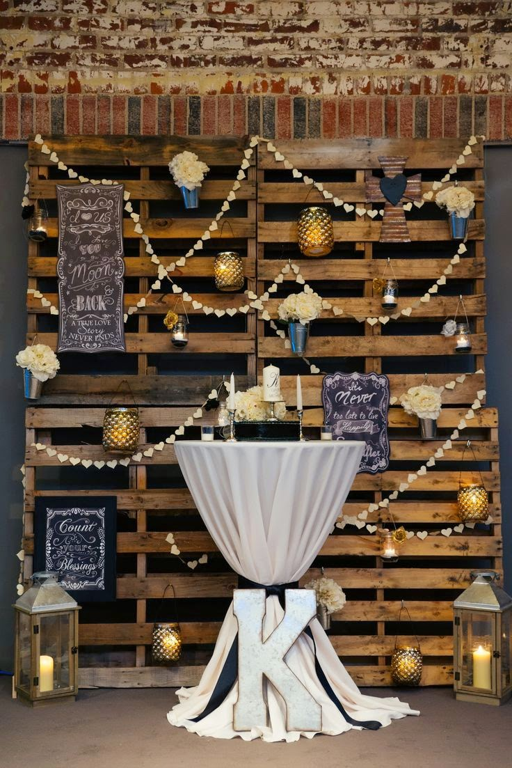 Vintage Burlap Wedding Table Decorations