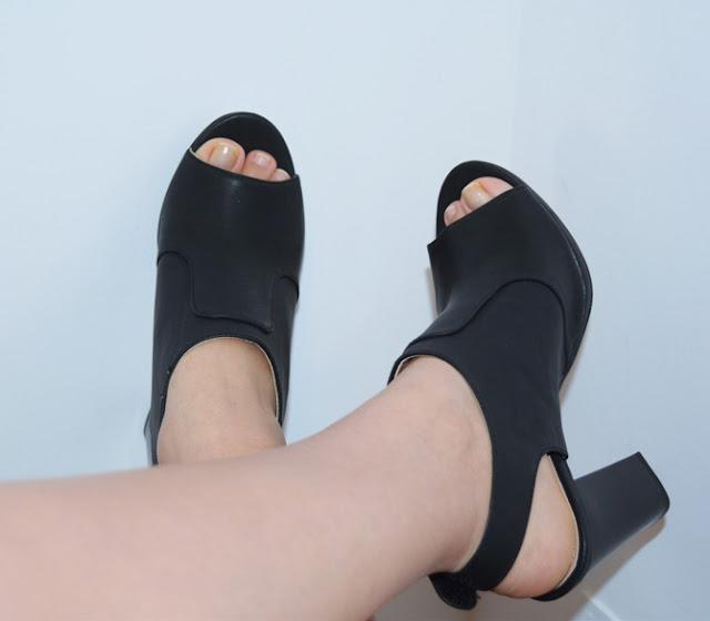 zapatos abiertos