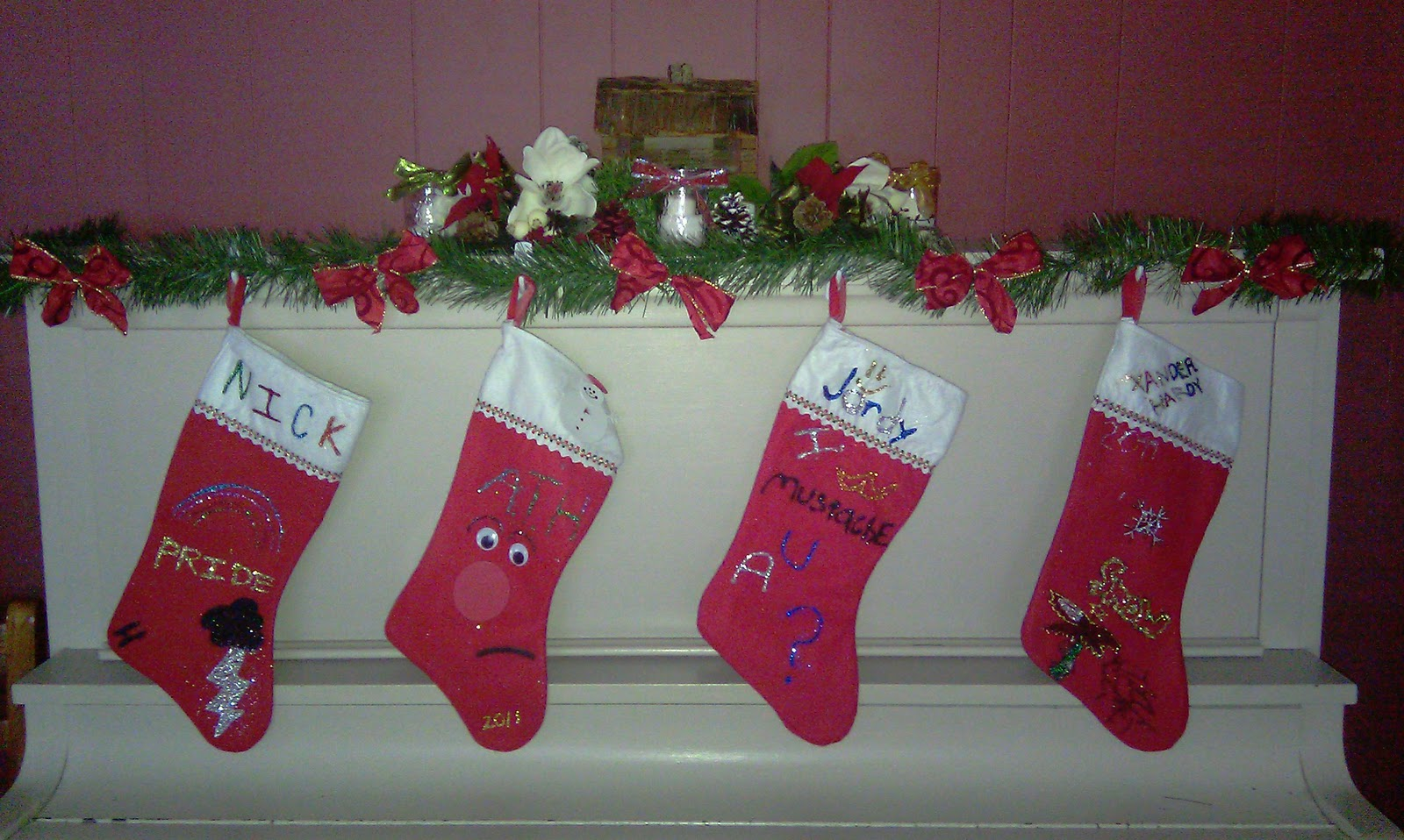 Decorate Christmas Stocking Glitter Glue