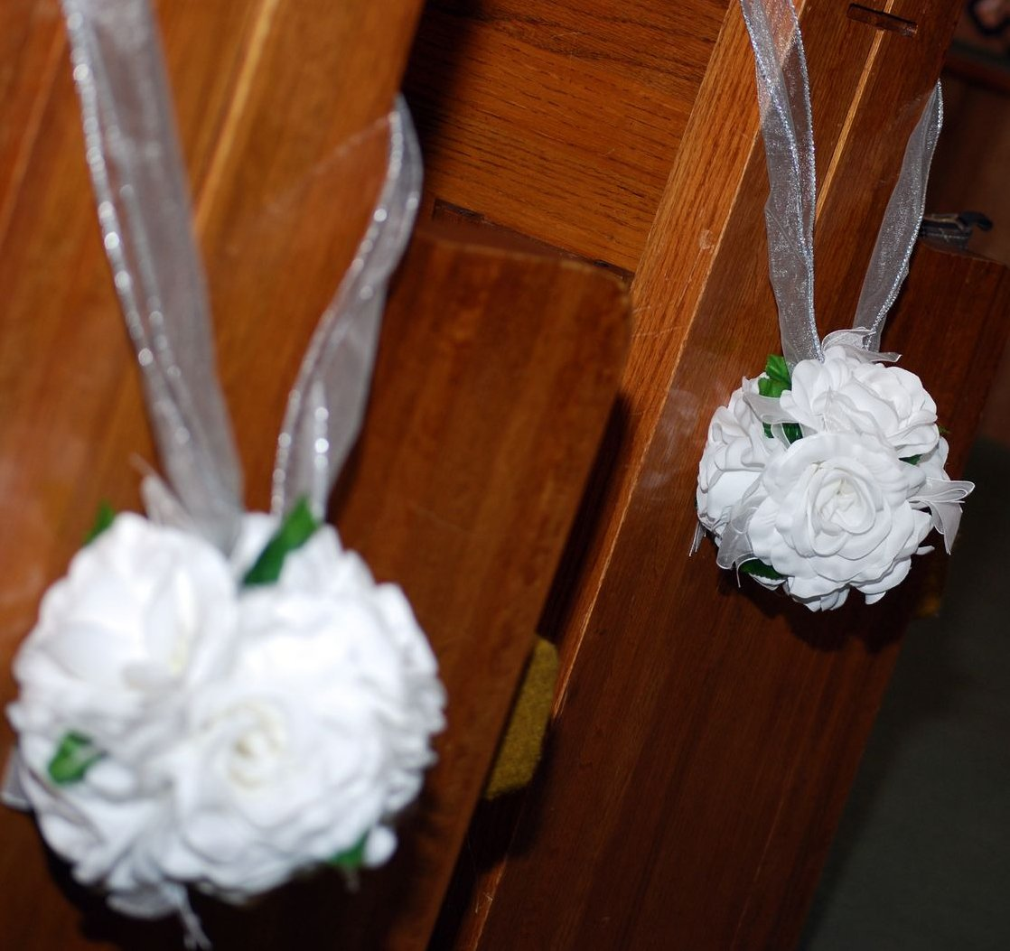 how to save money on wedding flowers living room interior designs. Black Bedroom Furniture Sets. Home Design Ideas