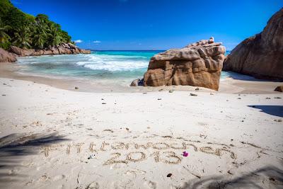 Seychellen - Flitterwochen 2013 in den Sand der Anse Patates geschrieben
