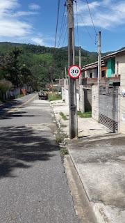 Prefeitura de Miracatu instala placas de sinalização no município