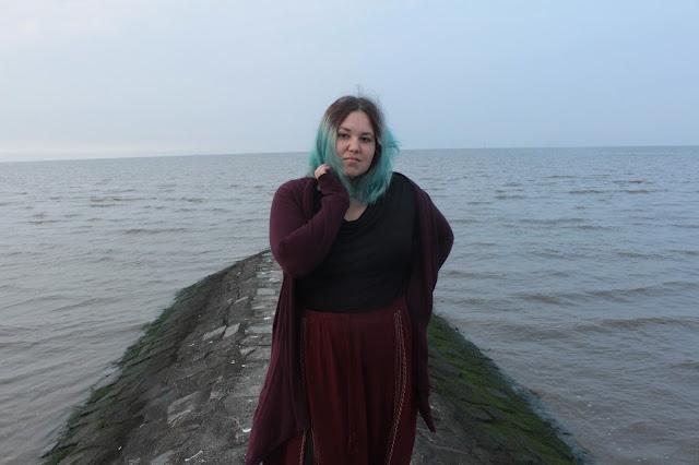 Outfit: Das Herbstmädchen und das Meer - ein Blick hinter die Kulissen eines Outfitshootings