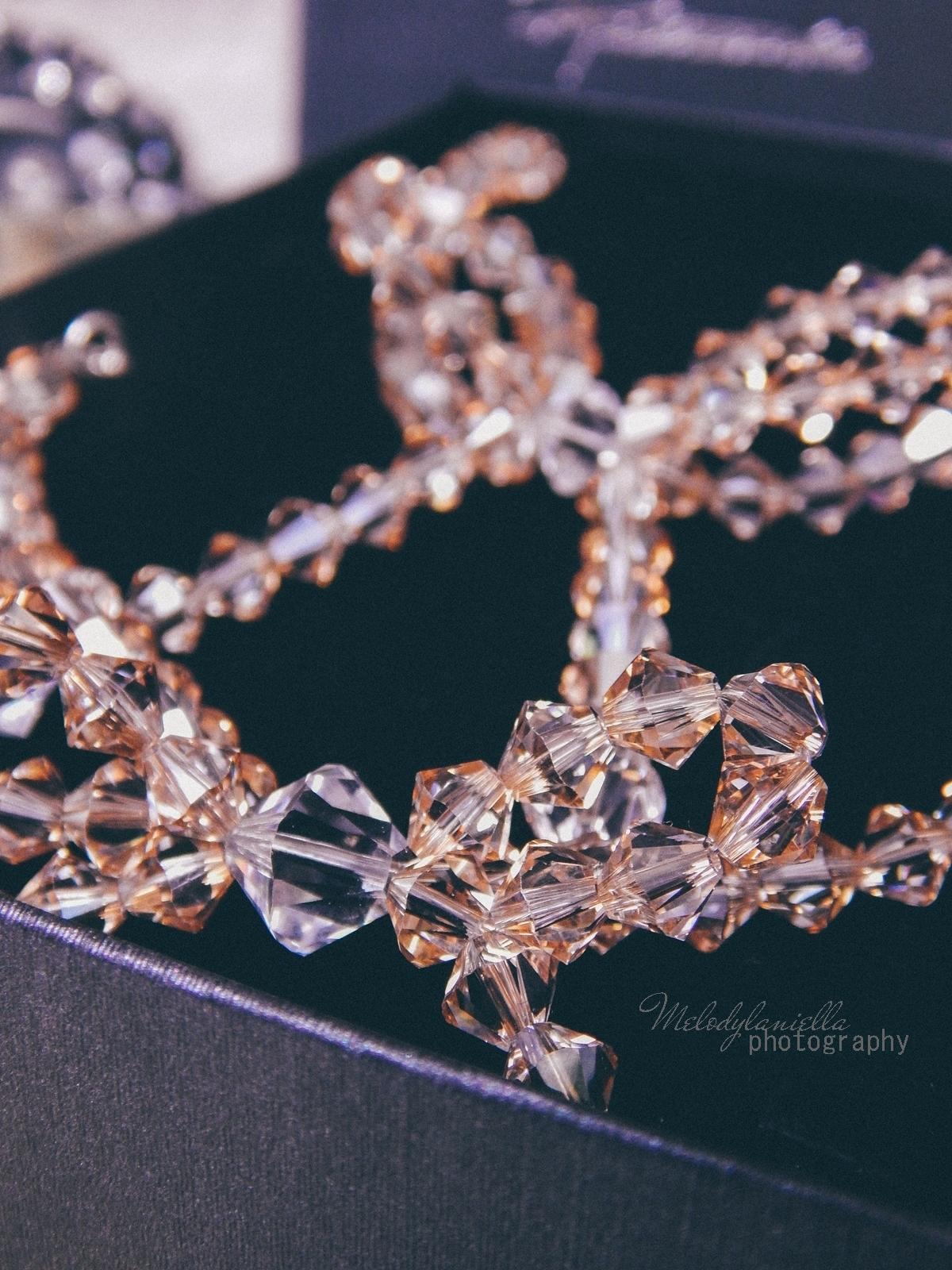 17 biżuteria M piotrowski recenzje kryształy swarovski przegląd opinie recenzje jak dobrać biżuterie modna biżuteria stylowe dodatki kryształy bransoletka z kokardką naszyjnik z kokardą złoto srebro fashion