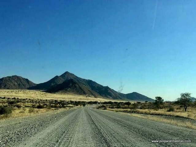 cómo es conducir por Namibia