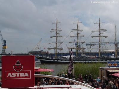 Einlauf der Krusenstern in Hamburg