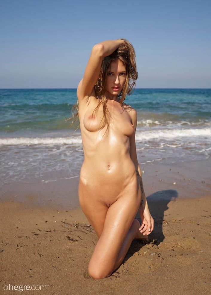 title2:Hegre Taya Beach Body