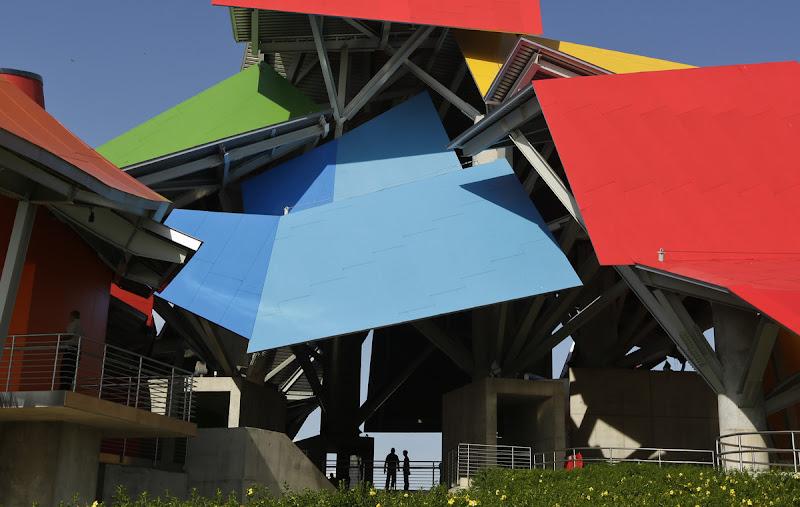 Biomuseo. A sus tradicionales formas curvas le sumó colores acordes al Caribe, ya que se ubica en Panamá.