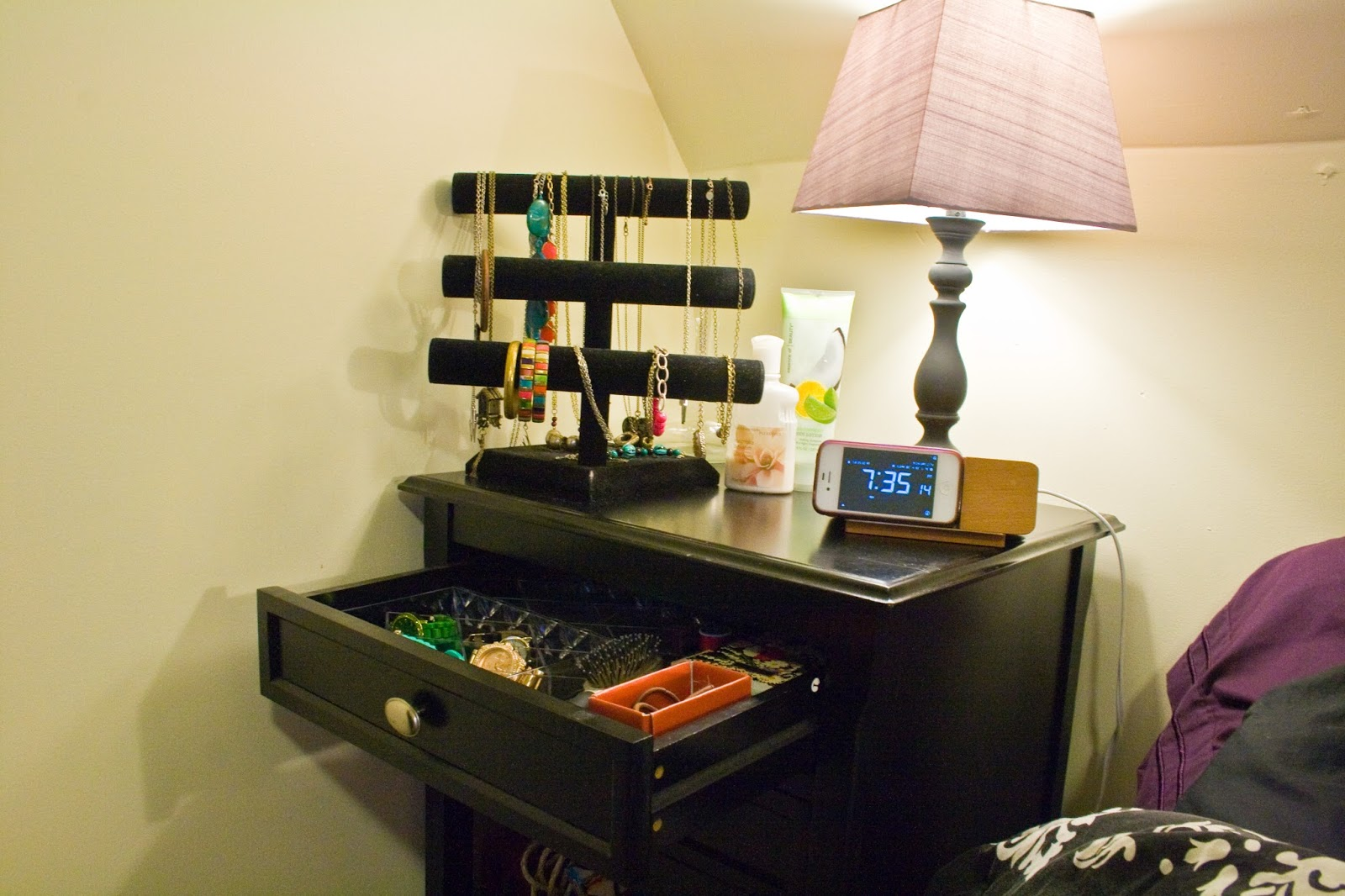 Five sixteenths blog wednesday decor jewelry night - How to decorate a nightstand ...