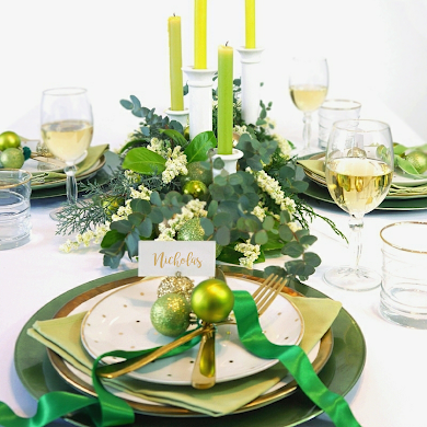 Green & Gold Christmas Holiday Tablescape