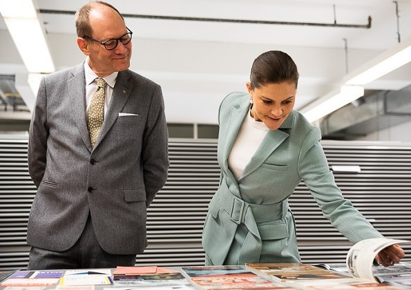 Crown Princess Victoria wore RODEBJER blazer anitalia suit and Af Klingberg rakel taupe suede booties