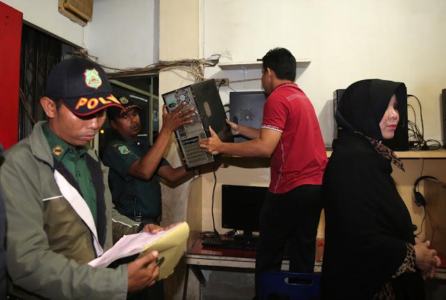 Walikota Banda Aceh Razia Warnet Tanpa Izin