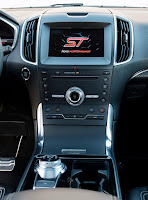 2019 Ford Edge ST console centrale