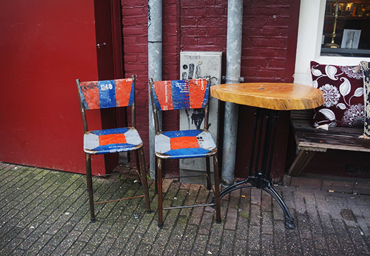 urban photography, street scene, urban photo, table and chairs, street scene,