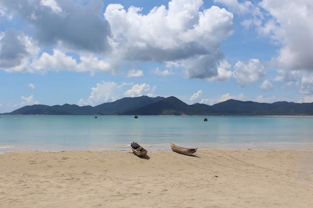 """""""Cerita Gue"""" di Kepulauan Anambas (1) - Pantai Terpanjang di Kepulauan Riau"""