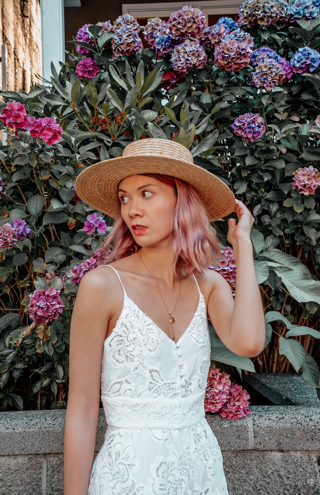 VanDusen Botanical Garden, Vancouver, pink hair, boater hat, rattan purse, wicker purse, style blogger, travel style, travel blogger, things to do in vancouver, summer lookbook, fall lookbook, fall trends, canadian blogger, canadian fashion, nordstrom, zara fall 2018, roju store, urban outfitters, ministry of style