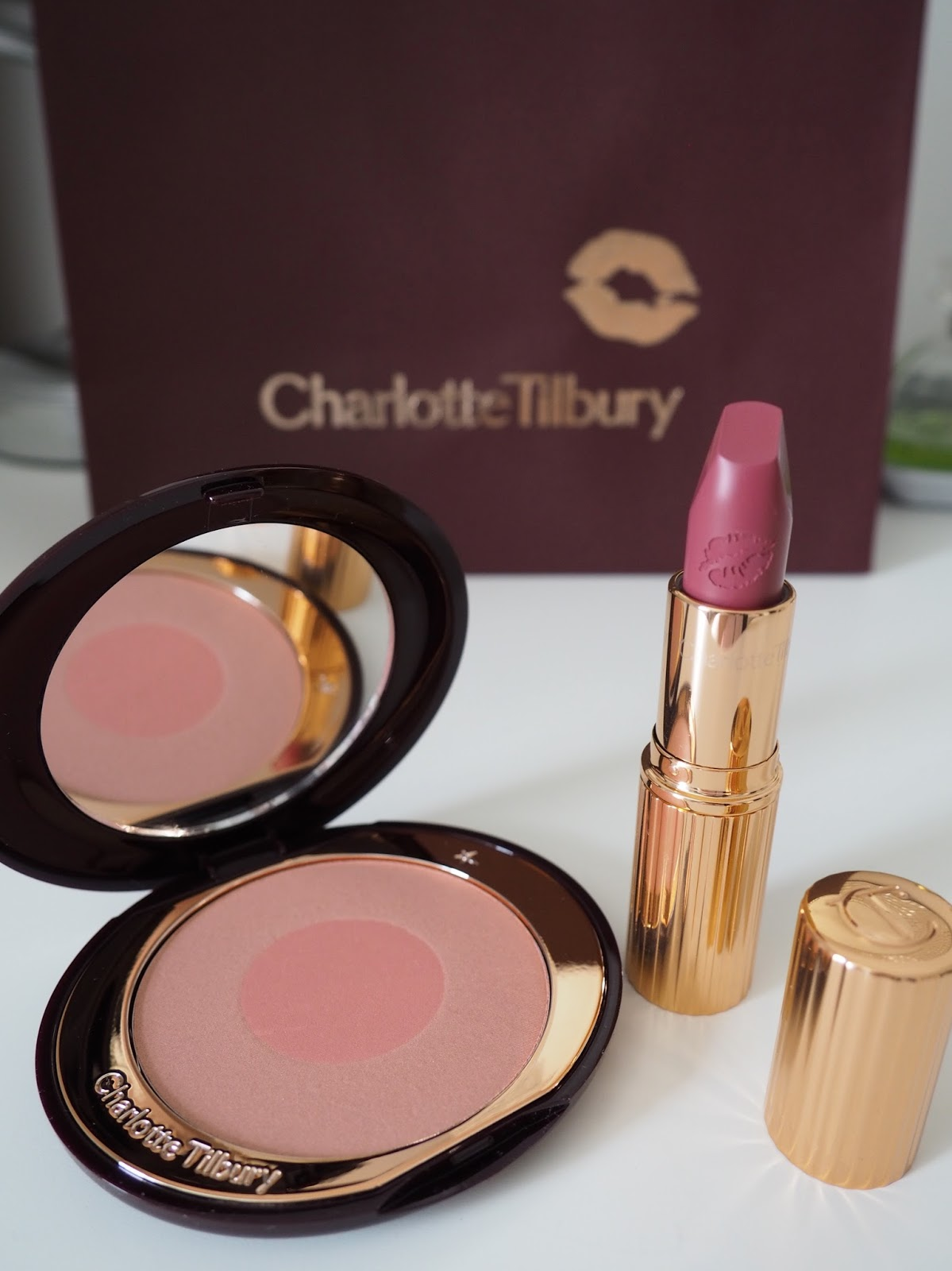Charlotte Tilbury lipstick review hot lips collection blusher cheek to chic
