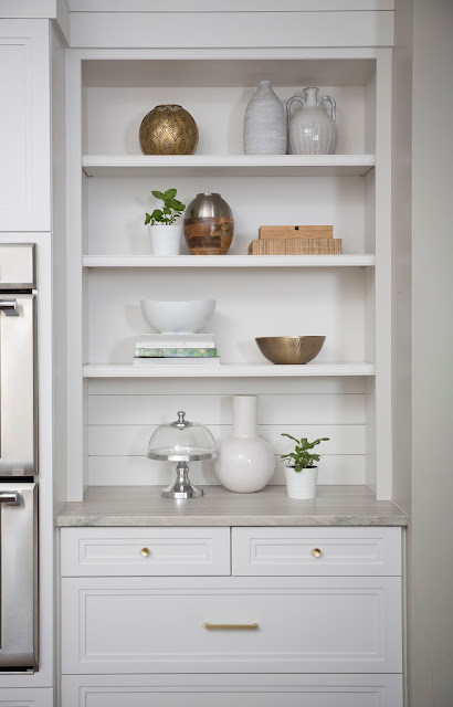 Bookshelf Styling by Patti Borrelli, BeSoStyle blog
