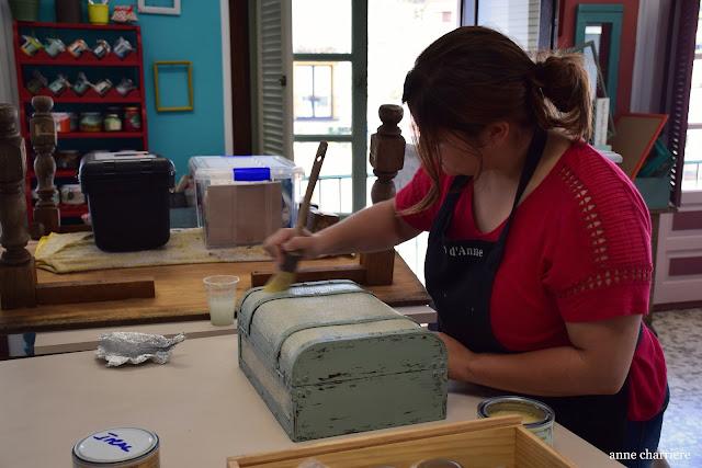 www.annecharriere.com, l'atelier d'anne, benahavis, taller pintura, pintura tiza, bricolaje, la pajarita,