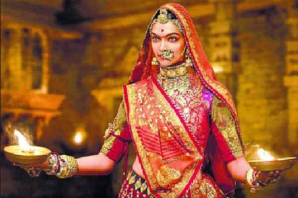 padmawati-song-ghoomar-become-viral-on-youtube-2-crore-view
