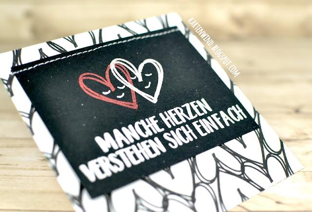 https://kartenwind.blogspot.com/2017/09/karten-minialbum-als-hochzeitsgeschenk.html