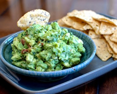 Laura's Famous Chunky Guacamole, the family favorite, ripe avocado tossed with poblano, tomato, onion, cilantro and lemon juice. Vegan. Paleo. #LowCarb. For Weight Watchers, just #PP4.