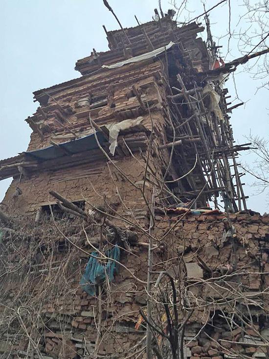 Shandong clay tower by Hu Guangzhou China