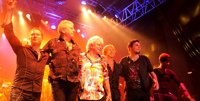 Live Review  Air Supply Live in Bandung