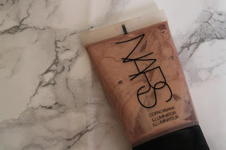 Nars liquid highlighter glowy