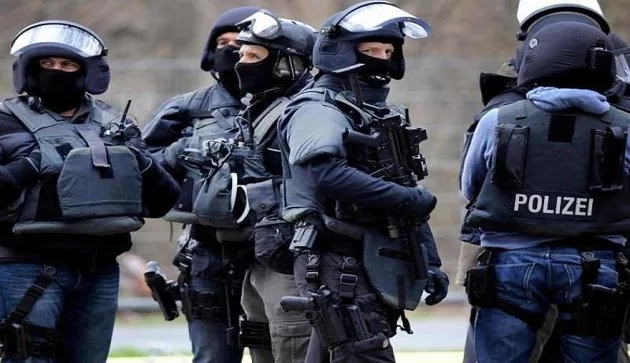 Εκκενώνεται το αεροδρόμιο της Φραγκφούρτης – Φόβοι τρομοκρατικής επίθεσης (vid)