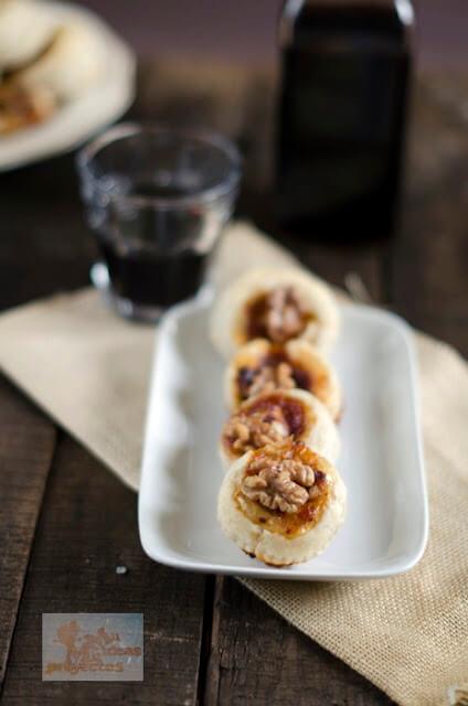 receta de hojaldres con queso, confitura de petalos de rosa y nuez2