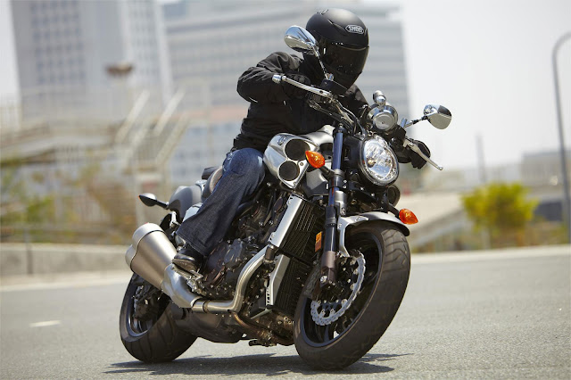 Yamaha V-Max Price, Specs, Review, Top speed, Wikipedia, Color