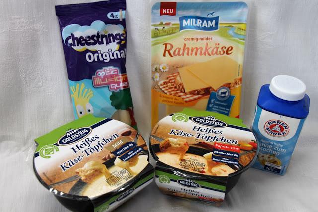 Brandnooz Cool Box Dezember 2016 - Herzhafter Inhalt: MILRAM Rahmkäse, Cheesestrings Original, Bärenmarke Sahne zum Kochen, Goldsteig Heißes Käse-Töpfchen