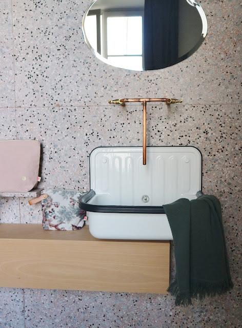 Salle de bain Marie-Sixtine Anniversaire Paris Linge de maison / Atelier rue verte /