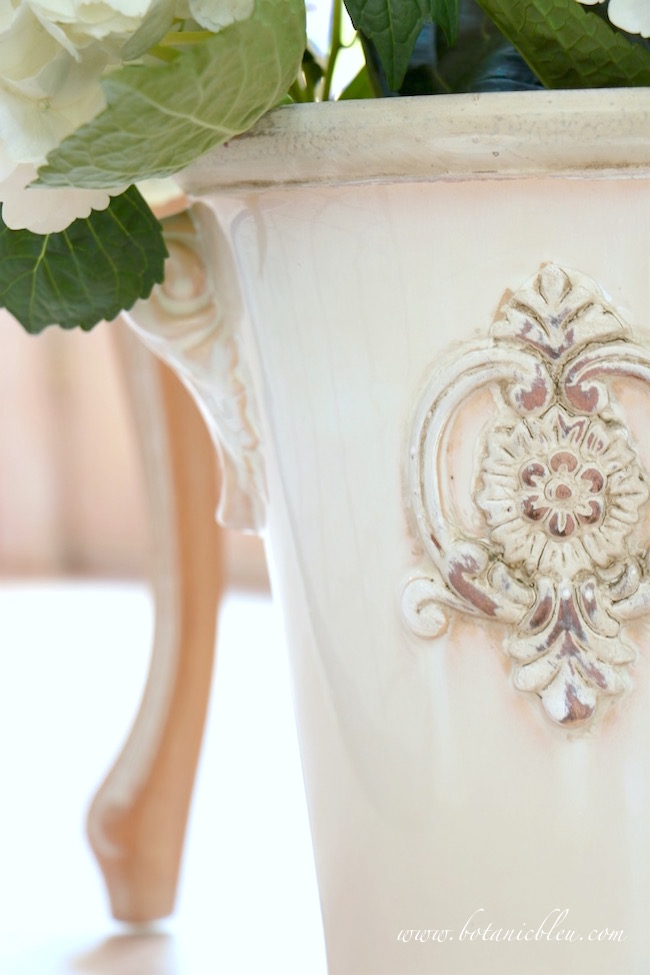 curved-leg-french-style-chair-with-white-french-flower-urn