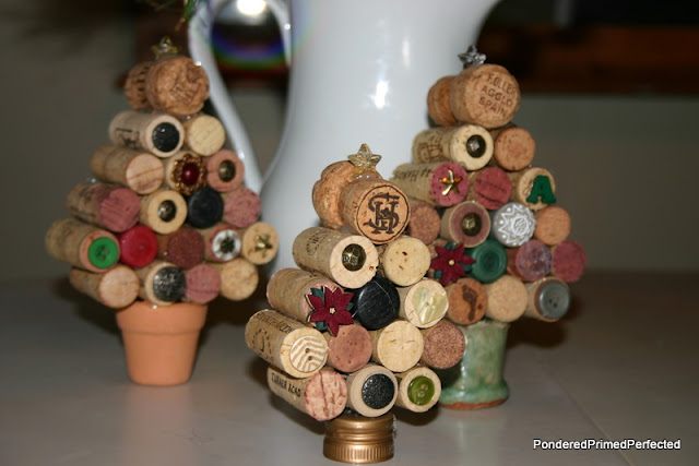 Little Wine Cork Christmas Trees | Breathtakingly Rustic Homemade Christmas Decorations