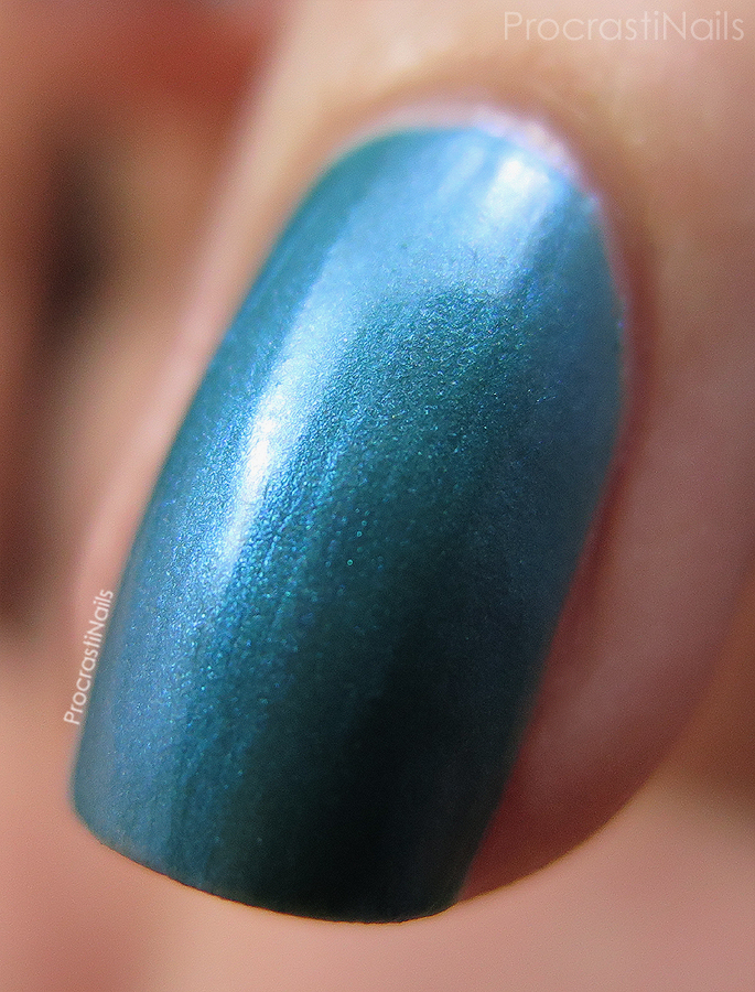 Macro of Lost Labyrinth from the CND Vinylux Garden Muse Collection
