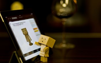 Wallpaper: Technology Danbo with Tablet
