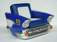 sillon hecho con parte de un auto