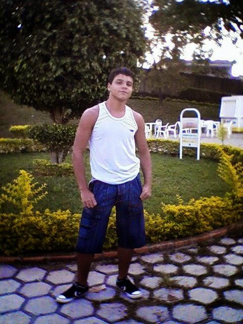 J C DHALAGZAR, modelo e poeta de Minas Gerais