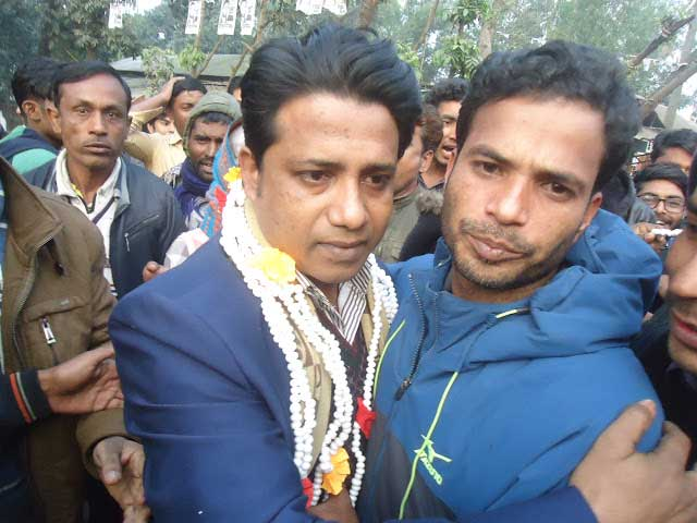 Bakshiganj vice chairman Sayem and Chhatra League leaders receive the reception