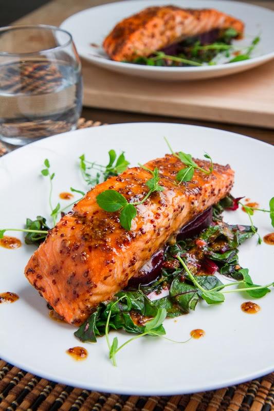 salmone con senape, spezia brucia grassi