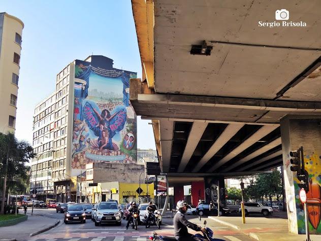 Fotocomposição com o Elevado Presidente João Goulart (Minhocão) e Mural Resistir e Existir - Vila Buarque - São Paulo