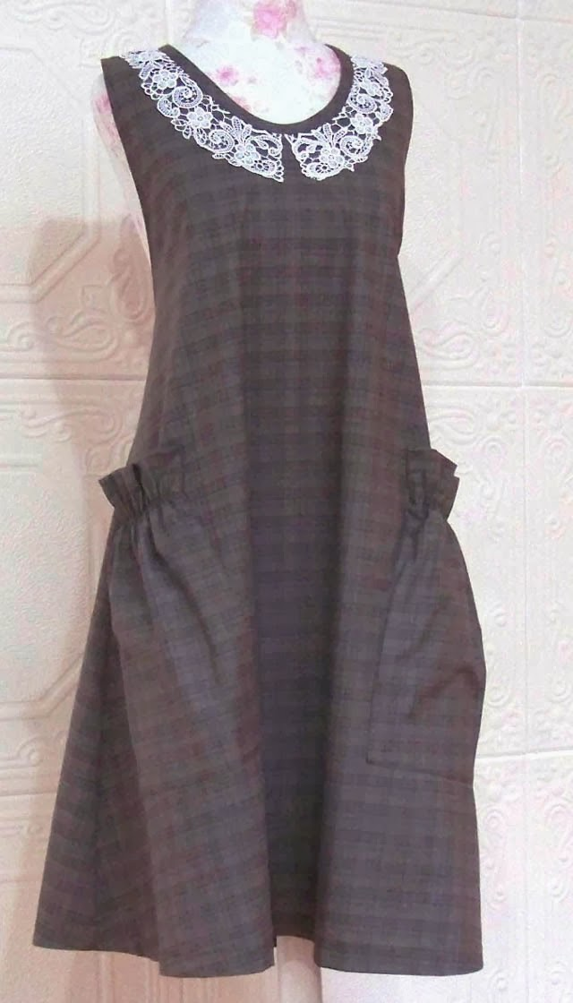 http://www.vermontapron.com/no-tie-apron-in-brown-flannel/